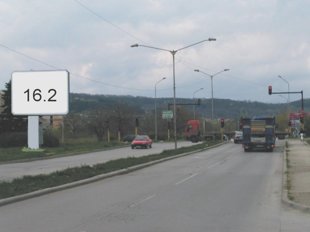 Билбордове под наем позиция 16.2: Варна, бул. Република - бул. Цар Освободител