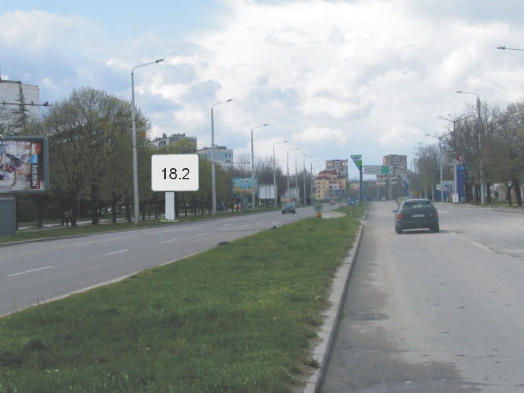 Билбордове под наем позиция 18.2: Варна, бул. В. Левски - Златни пясъци